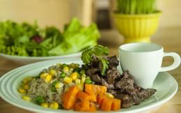 Trổ tài chế biến bữa ăn trưa dành cho người tập Gym và giảm cân
