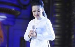Ở tuổi 75, Khánh Ly vẫn làm say lòng người khi hát live gần 20 ca khúc