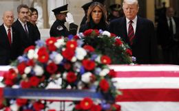 George H. W. Bush - 'Công dân xuất chúng của nước Mỹ' dưới mái vòm Điện Capitol