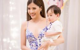 Hoa hậu Phan Hoàng Thu rạng rỡ khoe mẹ đẹp, con xinh