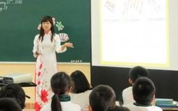 """Giáo viên """"rầm rầm"""" phản ứng khi Bộ cấm dạy ngoài sách giáo khoa"""