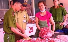 Xẻ thịt lợn chết bán cho người tiêu dùng
