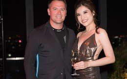 Hoa hậu Phan Hoàng Thu sexy, thân mật bên danh thủ Michael Owen