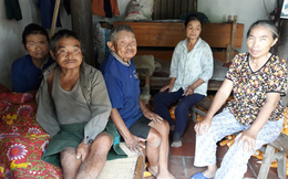 Người đàn bà hơn 25 năm chăm sóc 4 người ngớ ngẩn