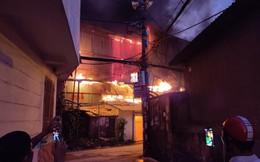 Cháy lớn ở kho hàng của Công ty bóng đèn phích nước Rạng Đông