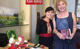 Cô gái dân tộc Thái đen quyết đưa sản phẩm dệt thổ cẩm về thành phố