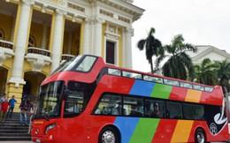 Dạo phố Hà Nội bằng xe buýt mui trần