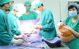 5 phút cứu sống mẹ con sản phụ bị hội chứng suy thai