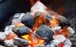 1 trẻ sơ sinh tử vong do sưởi ấm bằng than