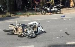 2 mẹ con đi xe máy tử vong trong vụ va chạm với ôtô lúc sáng sớm
