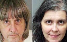 Mỹ: Cặp vợ chồng bạo hành 12 người con đẻ nhận tội