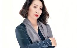 Bất ngờ với giọng hát trẻ trung ở tuổi U50 của nghệ sĩ Hoàng Hiền