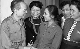 Đại tướng Võ Nguyên Giáp với phụ nữ Việt Nam