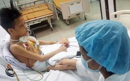 Mẹ của bệnh nhân ghép phổi đầu tiên tại BV Việt Đức đã có thể mỉm cười