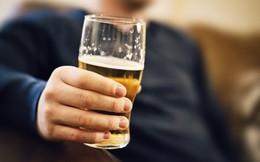 Uống dầu ăn ngăn được say rượu bia?