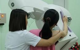 Thấy ngực bất thường, nữ sinh viên đi khám bất ngờ phát hiện ung thư vú