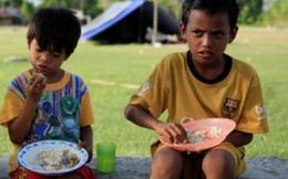 Hàng ngàn trẻ lạc cha mẹ sau động đất, sóng thần ở Indonesia