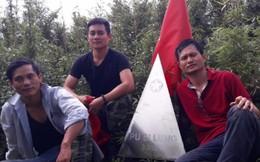 Xuyên rừng 4 ngày để chạm đỉnh núi cao thứ 3 của Việt Nam