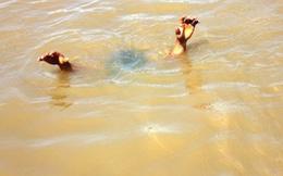 Thanh Hóa: 2 cháu bé tử vong dưới ao nước sau nhà