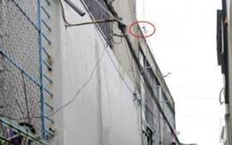 Vợ kinh hãi phát hiện chồng tử vong trên mái nhà khi lắp ống nước