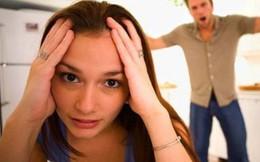 Bị vợ bắt quả tang, chồng hỏi 'Tại sao mày lại lừa tao?'