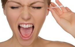 Có thể điếc, nhiễm trùng não do lấy ráy tai