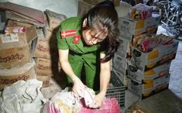Phát hiện gần 1 tấn bột trân châu, bột lọc hết hạn sử dụng đang nhập kho