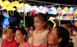 Xuân Bắc, Tự Long khiến khán giả cười vỡ bụng trong Lễ hội đèn lồng