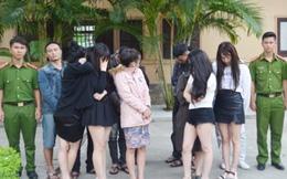 17 nam nữ thanh niên 'mở tiệc' ma túy trong khách sạn