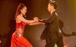 Vợ chồng Khánh Thi khiêu vũ say đắm trên sân khấu