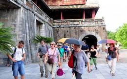 Du khách quốc tế đến Việt Nam: 10 đến, 1 trở lại!