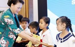 Chủ tịch Quốc hội Nguyễn Thị Kim Ngân dự khai giảng tại Đồng Tháp