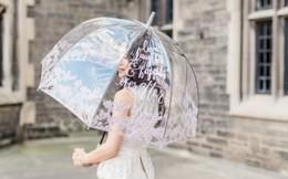 Thời trang đi mưa sành điệu giá từ 150k đến tiền triệu