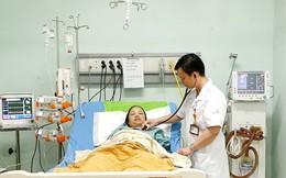Trong lúc chờ sinh, thai phụ đột ngột tím tái rồi suy đa phủ tạng