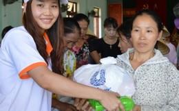 'Thương về miền Trung' chia sẻ khó khăn với chị em Quảng Bình