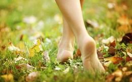 6 lợi ích không ngờ khi đi bộ chân trần