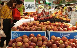 """Né """"bão giá"""" ngày rằm tại chợ, người tiêu dùng chuộng hàng siêu thị"""