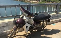 Nỗ lực tìm kiếm cụ ông chạy xe máy lên cầu rồi gieo mình xuống sông
