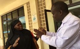 Bộ trưởng vi hành, xử lý nhân viên y tế vòi tiền bệnh nhân