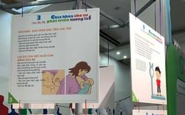 Cung bậc cảm xúc trong triển lãm 'Mẹ - Bến đỗ an toàn và bình an cho con'