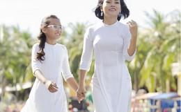 Thái Thùy Linh truyền cho con gái yêu đất nước một cách tự nhiên
