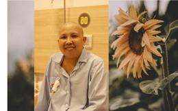 Ra mắt tự truyện của nữ nhà báo 71 lần truyền hóa chất điều trị ung thư