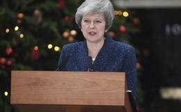 Nữ Thủ tướng Anh Theresa May vượt qua cuộc bỏ phiếu bất tín nhiệm