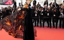 Không cần hở hang, Á hậu Trương Thị May vẫn đầy lôi cuốn trên thảm đỏ Cannes 2019