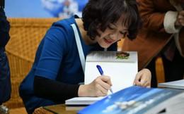 Nữ nhà báo đầu tiên ra mắt sách ảnh về Trường Sa