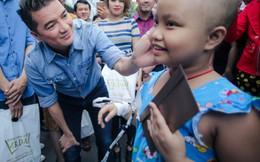 Đàm Vĩnh Hưng đón Tết sớm cùng hơn 1000 người nghèo xa quê