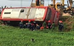 Hà Tĩnh: Lật xe khách giữa đêm, 1 hành khách tử vong