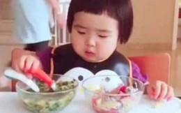 Cộng đồng mạng xôn xao với sức ăn của cô bé 2 tuổi