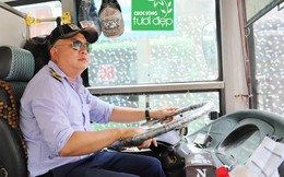 Rổ tiền lẻ trợ giúp và những tấm áo mưa miễn phí của tài xế xe buýt ở Sài Gòn