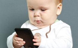 Trẻ dưới 1 tuổi không nên tiếp xúc với thiết bị điện tử